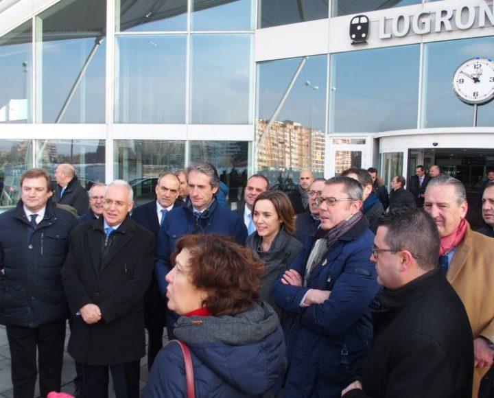 El ministro visita la estación de Logroño