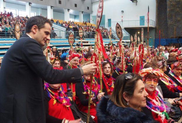La Fiesta de Carnaval de las Personas Mayores llena el polideportivo de Las Gaunas