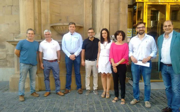 Foto Diego Ubis y miembros Plataforma ILP Viñedo
