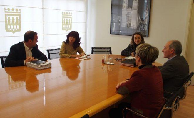 """Resultado de imagen de """"La frecuencia de los autobuses con Lardero y Villamediana se incrementará en marzo"""