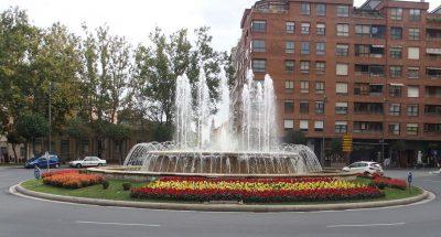 flores bandera fuente Murrieta