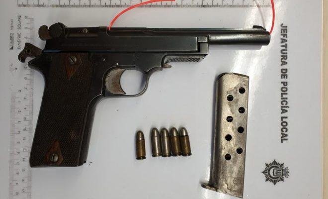 'Pistola intervenida