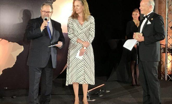 Premio Internacional Gala Clausura - Juanma Lavín y Ainara de Dios
